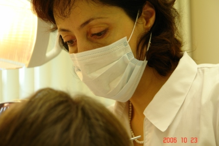 Начальник стоматологического центра, врач высшей категории - Антонова Ирина Игоревна